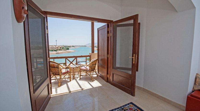 Lagoon View Apartment in El Gouna with Balcony